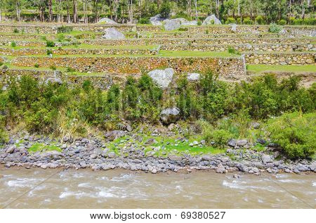 Peru, Sacred Valley, Urubamba river and agricultural terraces