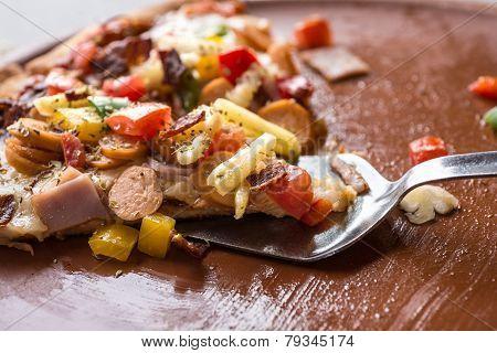 Hawaiian Pizza Lifted Slice