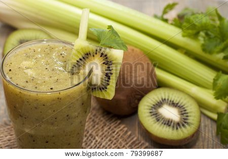 Cocktail Of Kiwi, Celery, Parsley, Cilantro With Green Tea.