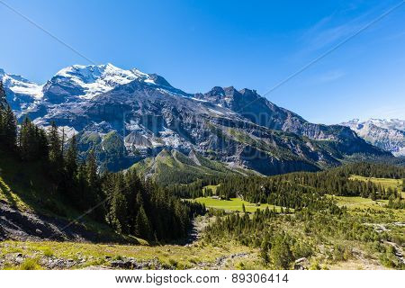 Stunning View Of Bluemlisalp And Frundenhorn Above Oeschinensee (oeschinen Lake)