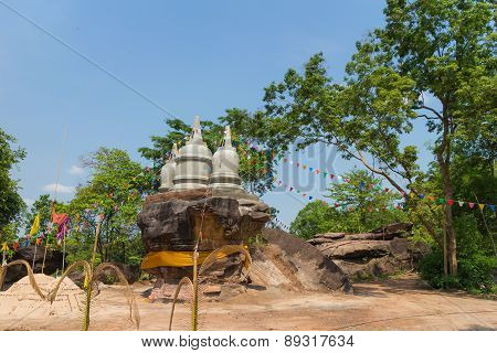 place of worship that stupa on stone hill