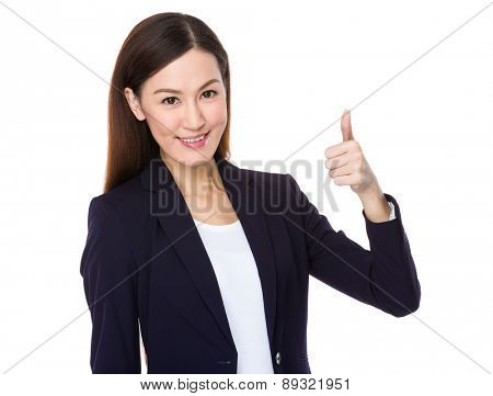 Japanese business woman going thumb up