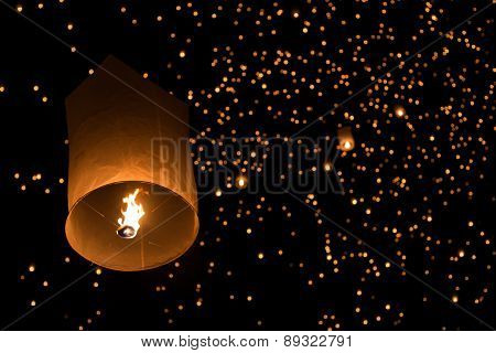Balloon Fire/ Yeepeng In North Thailand / Chiangmai