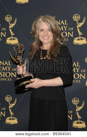 LOS ANGELES - APR 24: Cynthia Hill at The 42nd Daytime Creative Arts Emmy Awards Gala at the Universal Hilton Hotel on April 24, 2015 in Los Angeles, California