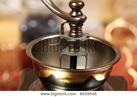 Old-fashioned Hand Coffee Grinder
