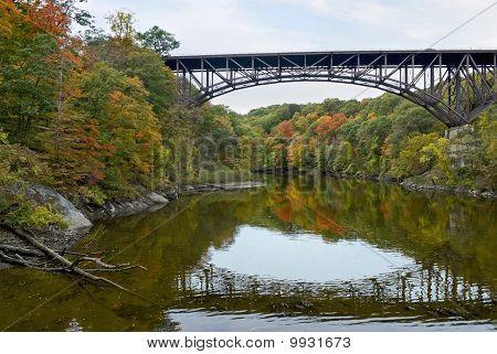Puente de arco Popolopen Creek