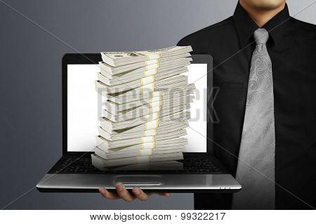 Businessman drawing a piggy bank