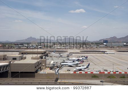 Airplanes in Sky Harbor, AZ