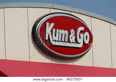 Kum & Go Exterior And Sign