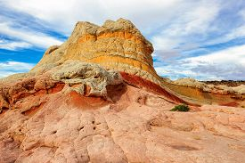pic of plateau  - Plateau from white and red sandstone - JPG