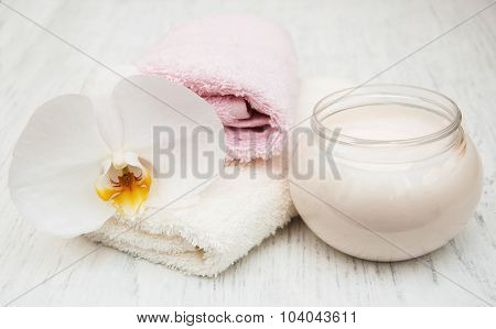 Spa Essentials Cream White Towels And Orchids