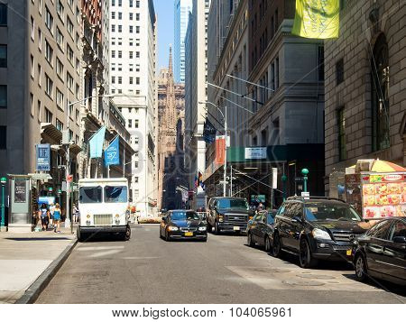 NEW YORK,USA - AUGUST 16,2015 :  Wall Street on Manhattan Financial District