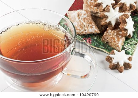 Tea and gingerbread