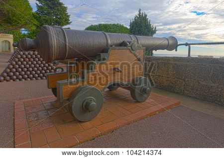 Old Guns In Monaco-ville