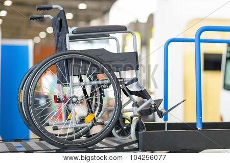 wheelchair on the platform for entry into bus