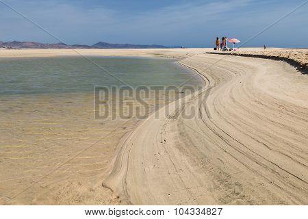 Playas De Sotavento, Fuerteventura, Editorial
