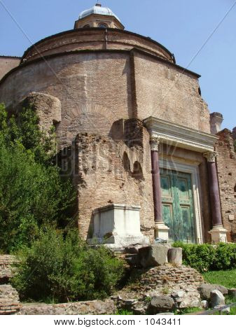 Tempel des Divus Romulus