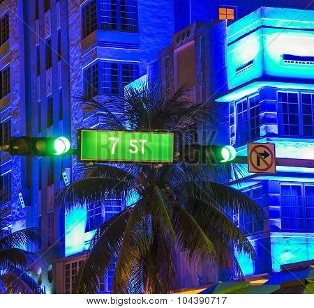 Ocean Drive Sign 7Th Street And Traffic Light
