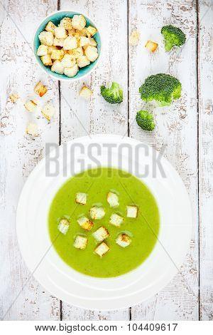 Homemade Cream Soup With Broccoli And Croutons