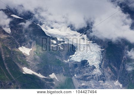 Snow and glacier in alpine mountains