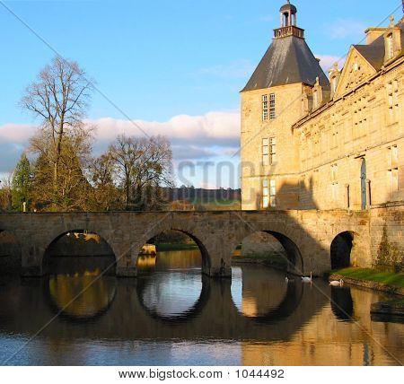 Graben um Chateau De Sully