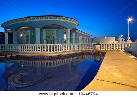 Chalet And Pool