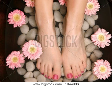 Aromatic Relaxing Foot Bath Pedispa