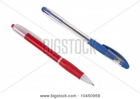 Two Pens In Diagonal