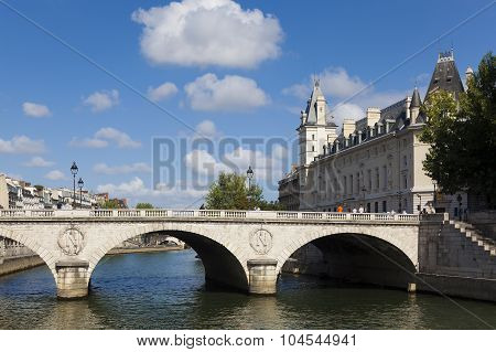 Bridge Saint-michel, Paris, Ile-de-france, France