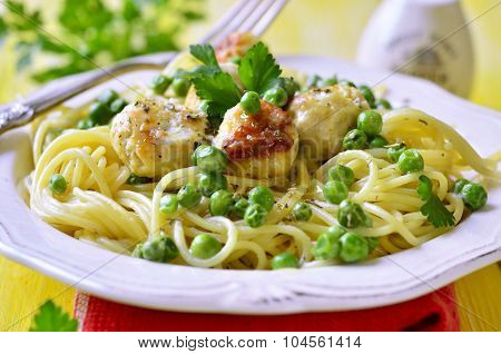 Spaghetti With Chicken Meatball And Green Pea.