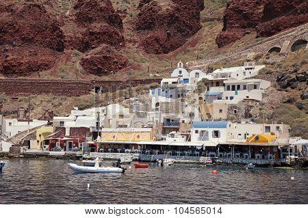 Ammoudi Bay, Port Of Oia, Santorini, Greece