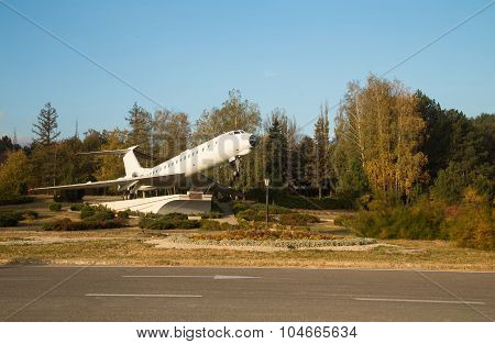 Airplane monument in Chisinau