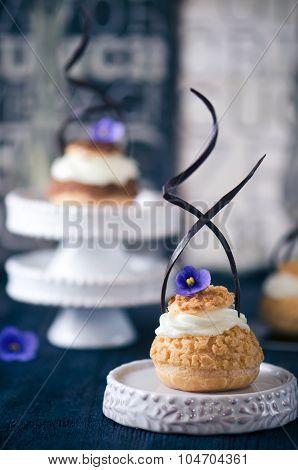 Fresh choux pastry