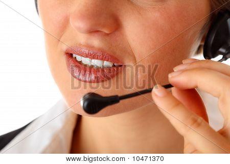 durchdachte, moderne geschäftsfrau mit headset