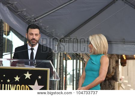 LOS ANGELES - OCT 12:  Jimmy Kimmel, Kelly Ripa at the Kelly Ripa Hollywood Walk of Fame Ceremony at the Hollywood Walk of Fame on October 12, 2015 in Los Angeles, CA