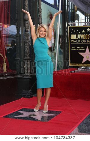 LOS ANGELES - OCT 12:  Kelly Ripa at the Kelly Ripa Hollywood Walk of Fame Ceremony at the Hollywood Walk of Fame on October 12, 2015 in Los Angeles, CA