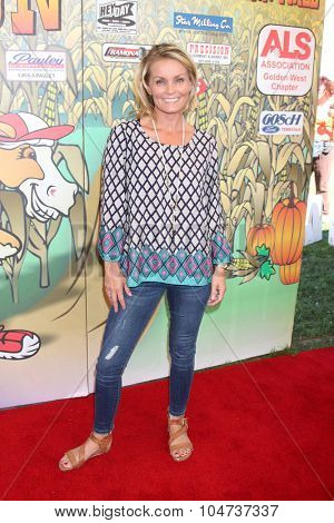 LOS ANGELES - OCT 9:  Kelly Packard at the Celebrities Salute the Military at Corn Maze at the Big Horse Feed and Mercantile on October 9, 2015 in Temecula, CA