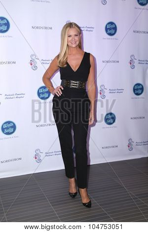 LOS ANGELES - OCT 10:  Nancy O'Dell at the Nordstrom Del Amo Fashion Center Opening Gala at the Nordstrom on October 10, 2015 in Torrance, CA