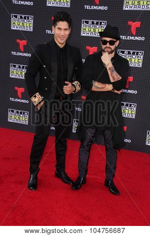 LOS ANGELES - OCT 8:  Chino y Nacho at the Latin American Music Awards at the Dolby Theater on October 8, 2015 in Los Angeles, CA