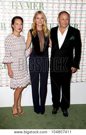 LOS ANGELES - OCT 13:  Gwyneth Paltrow, John Demsey at the La Mer Celebration Of An Icon Global Event at the Siren Studios on October 13, 2015 in Los Angeles, CA