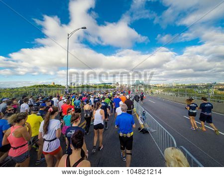 Marathon De Montreal From The View Of A Jogger.