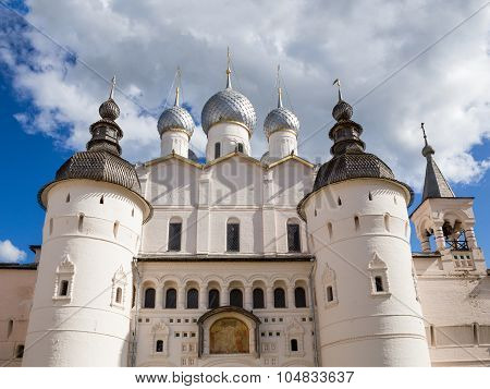 Holy Gates and the Resurrection Church with belfry in the Kremlin of the Rostov Veliky