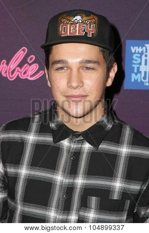 LOS ANGELES - SEP 26:  Austin Mahone at the Barbie Rock 'N Royals Concert Experience  at the Hollywood Palladium on September 26, 2015 in Los Angeles, CA