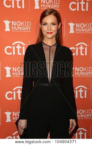 LOS ANGELES - OCT 14:  Darby Stanchfield at the No Kid Hungry Benefit Dinner at the Four Seasons Hotel on October 14, 2015 in Los Angeles, CA