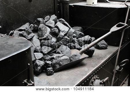 Coal and vintage shovel