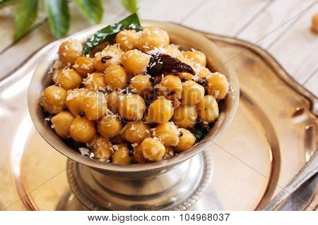 Sundal -South Indian Snack made with boiled chickpeas