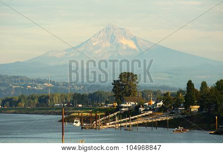 Columbia Riverfront Mount Hood Oregon River Cascade Mountains
