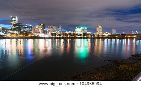Portland Oregon Waterfront Willamette River Flowing Under Se Morrison Bridge