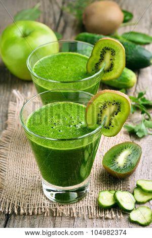 Kiwi And Cucumber Smoothie
