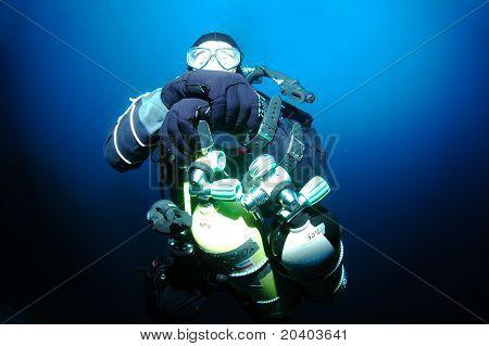 Technical scuba diver descending